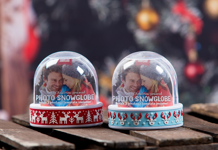 Śnieżna kula z miejscem na dwa zdjęcia